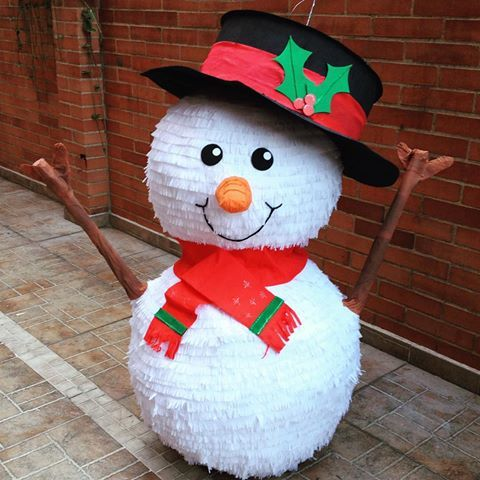 Resultado de imagen para piñatas de navidad