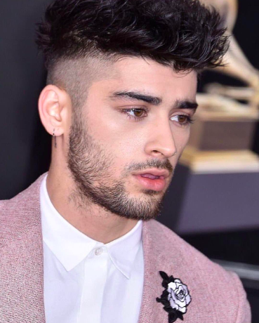Here S How To Get Zayn Malik S Grammys 2018 Hair And Skin 29 Modern Zayn Malik Long Hairstyle Inspiratio In 2020 Zayn Malik Hairstyle Hairstyles Zayn Zayn Malik Style