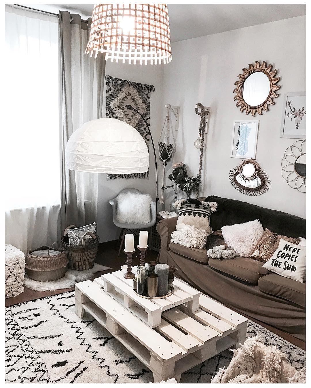 Home- salon - palettes - miroir, berbere - coussins  Déco maison