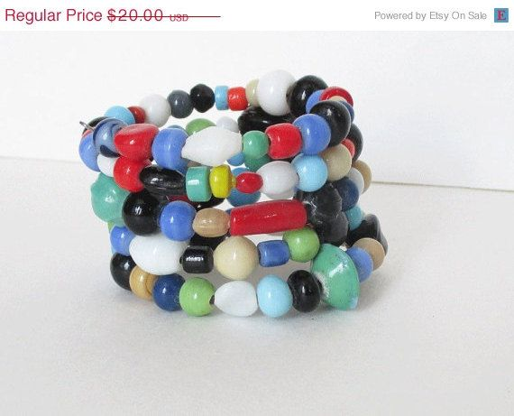 On Sale Bracelet with Multicolored Glass Beads Memory by artsix
