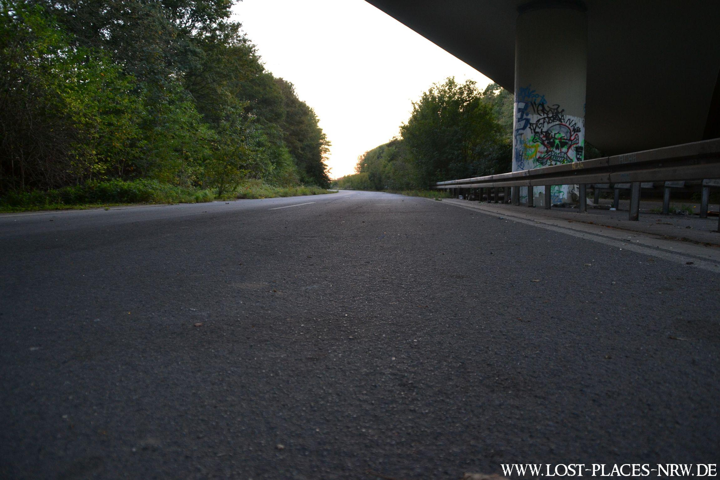 Verlassene Autobahn ehemaliges Autobahnkreuz in NRW LostPlaces Urbexfotografie nrw Verlassene Autobahn
