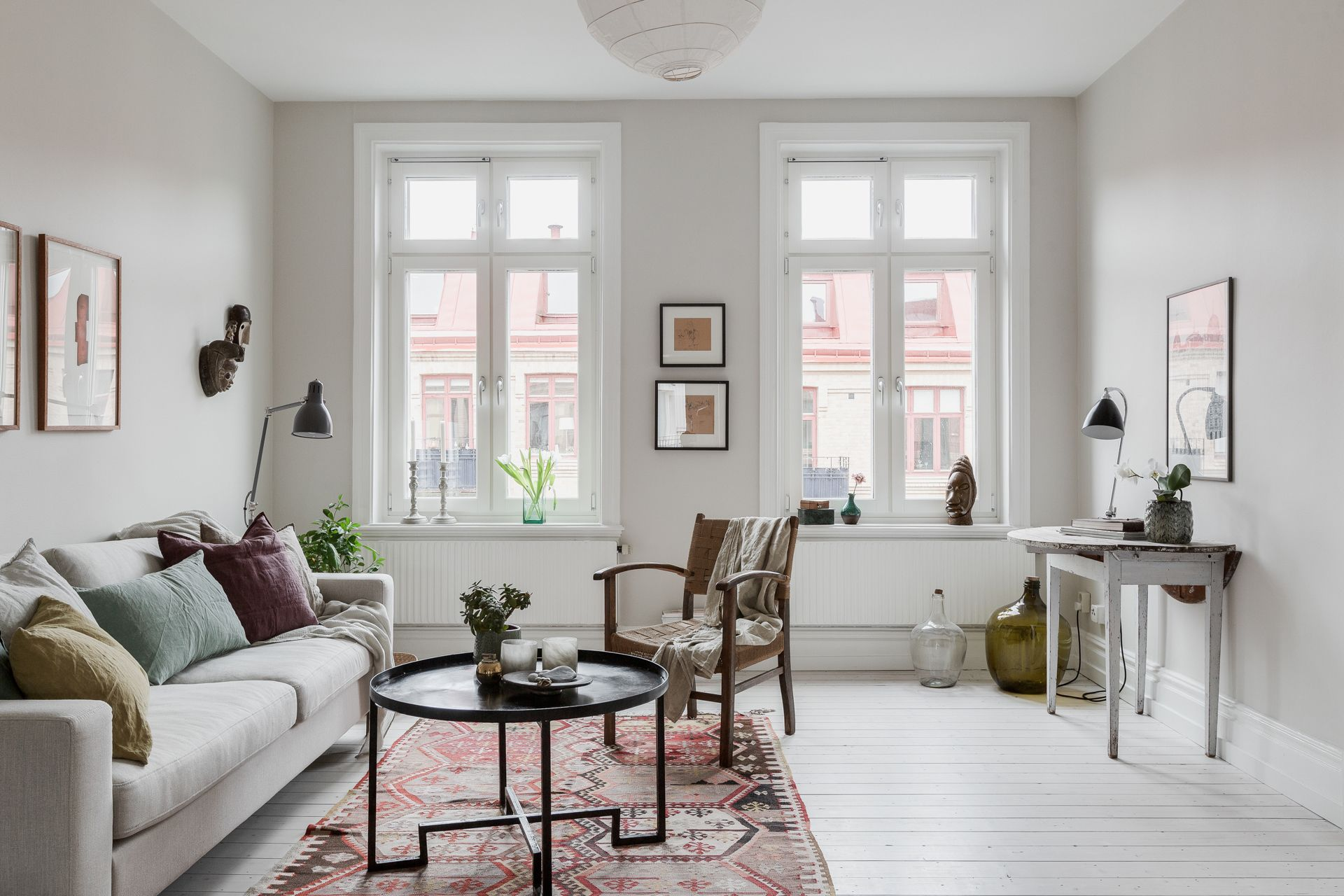 A Light And Airy Scandinavian Apartment Scandinavian Apartment Home Decor Scandinavian Interior
