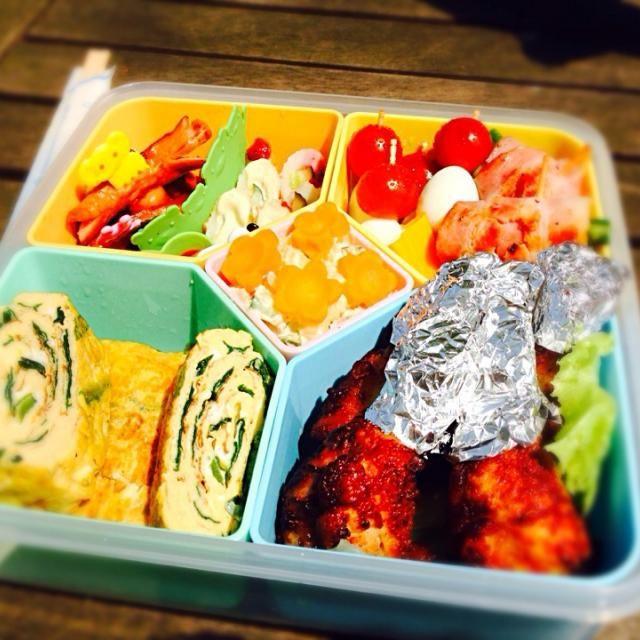 動物園デートのために作ったお弁当! 彼の好きそうなものをいっぱい彩りよく詰めてみました♪ 卵焼きは出汁たっぷりフワフワのニラ入り 遊び心満載で、カニさんタコさんウィンナーも入れましたw - 14件のもぐもぐ - LOVEたっぷり♡お弁当 by Nana Imakubo