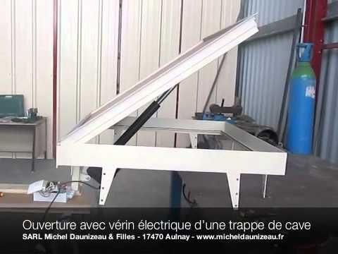 Trappe De Cave En Verre Youtube Chambres Secretes Trappe