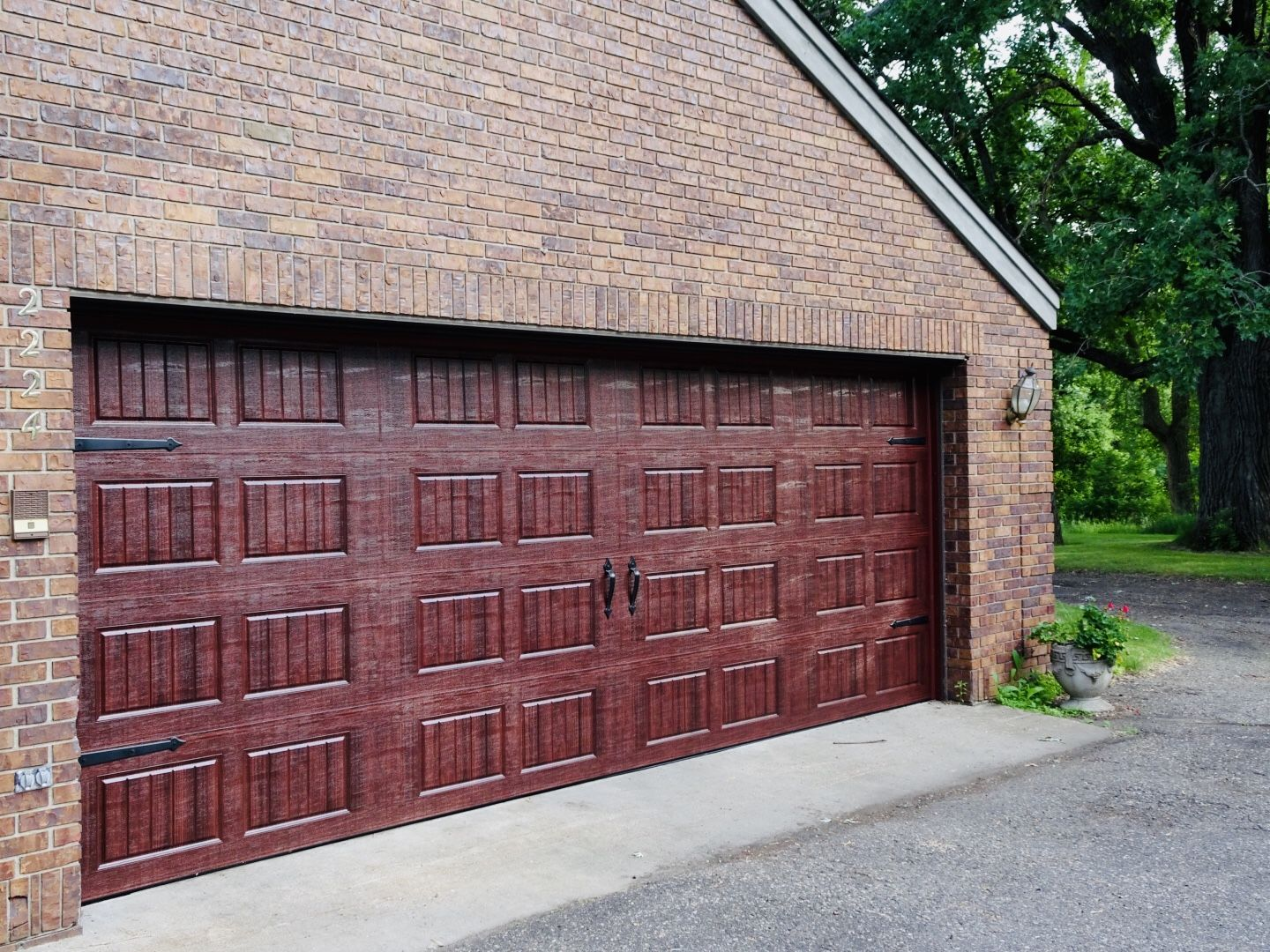 Amarr Hillcrest 3000 Garage Door In Mahogany With Short Panel Bead Board And Decorative Hardware Garage Door Styles Garage Doors Garage Door Types