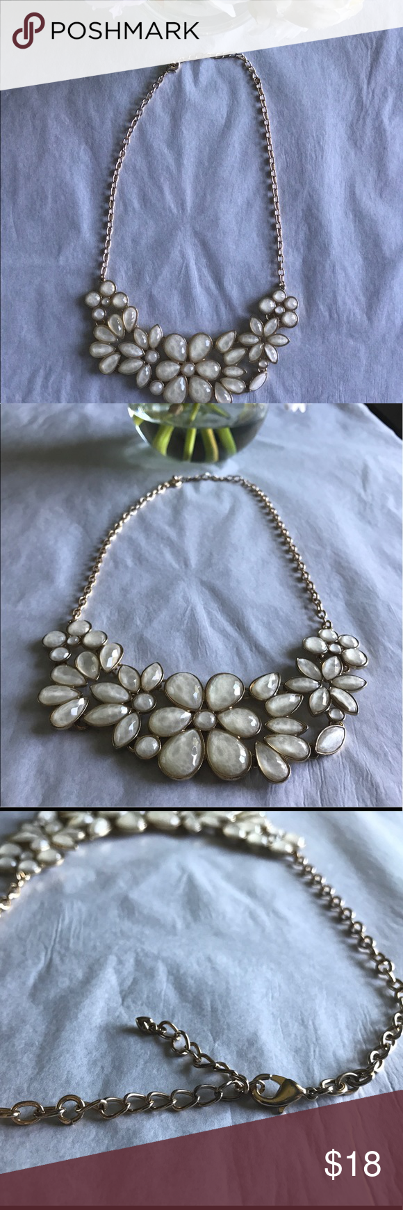 Francesca's Statement Necklace Off white necklace from Francesca's is beautiful and perfect to glam up any outfit. Chain has absolutely no wear. Only worn a couple times. Pair it in a bundle to get 15% off ☺️ Francesca's Collections Jewelry Necklaces