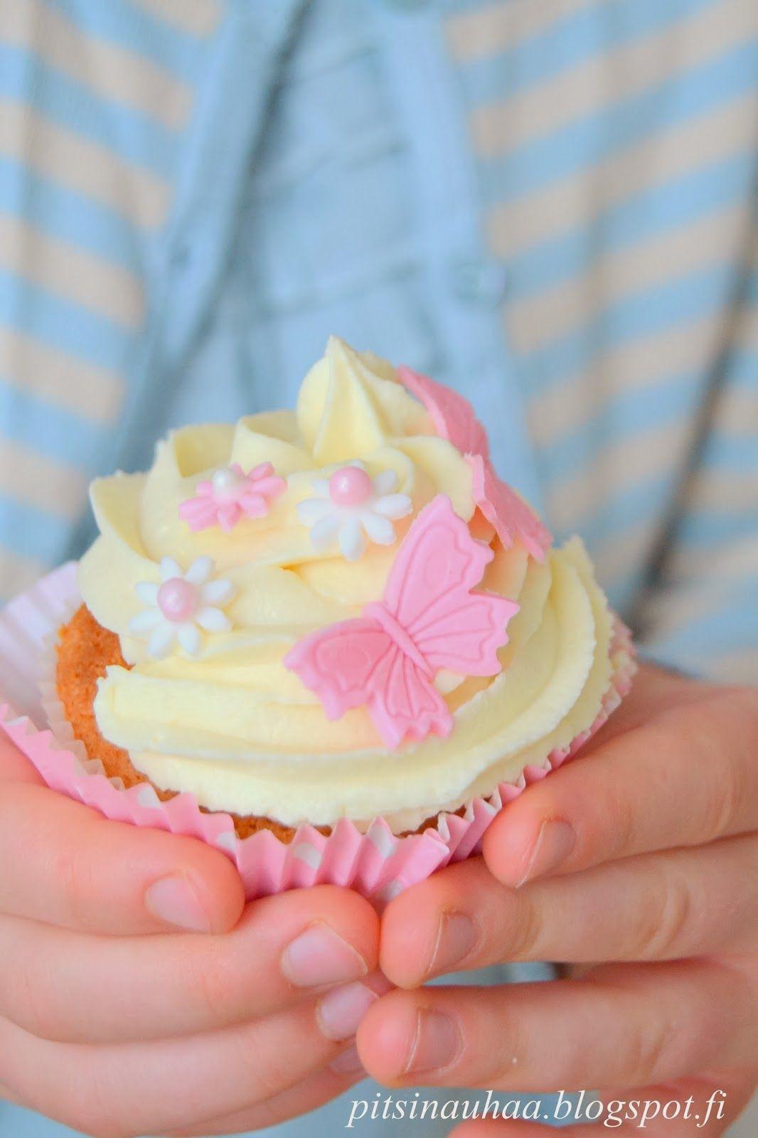 A lemony cupcake
