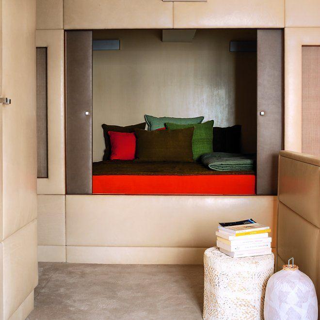 une petite chambre avec un lit clos id es chambre d 39 enfant pinterest lit clos chambres. Black Bedroom Furniture Sets. Home Design Ideas