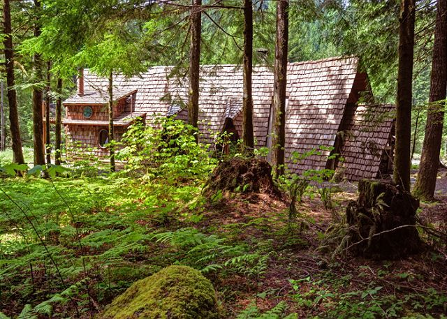Zigzag Vacation Rentals  Zigzag Cabin  Bungalow  Riversong Cabin - Riversong Cabin along the Sandy River in Zigzag Oregon