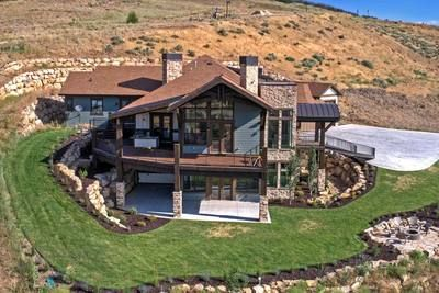 Plan 95042rw Luxury Hillside Retreat With Optional Finished Lower Level Dream House Exterior Architectural Design House Plans Mountain House Plans