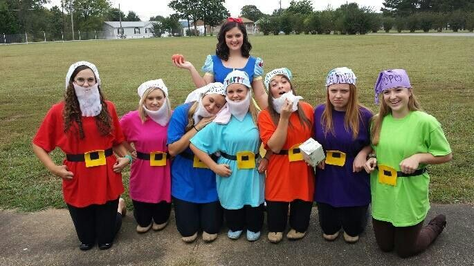 Snow white and the seven dwarfs fancy dress