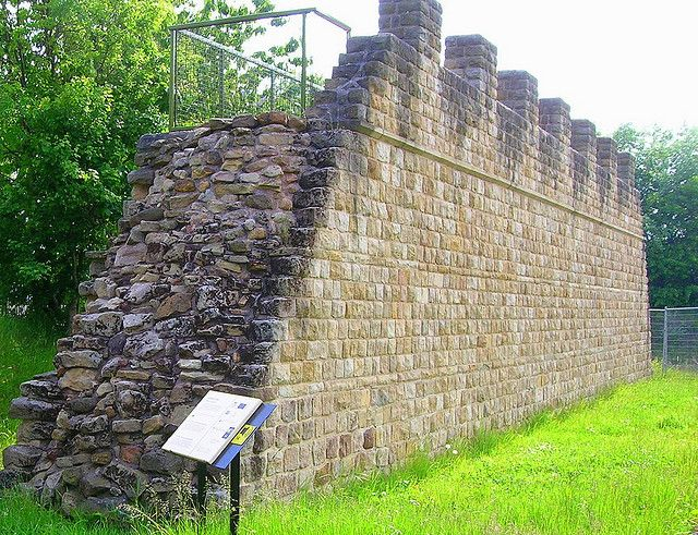 close up of the reconstruction of hadrian s wall wallsend on hadrians wall id=23465