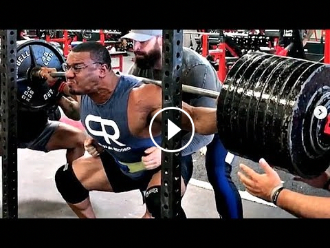 Larry Wheels Squats 900lbs 2 Weeks Out from Bodybuilding