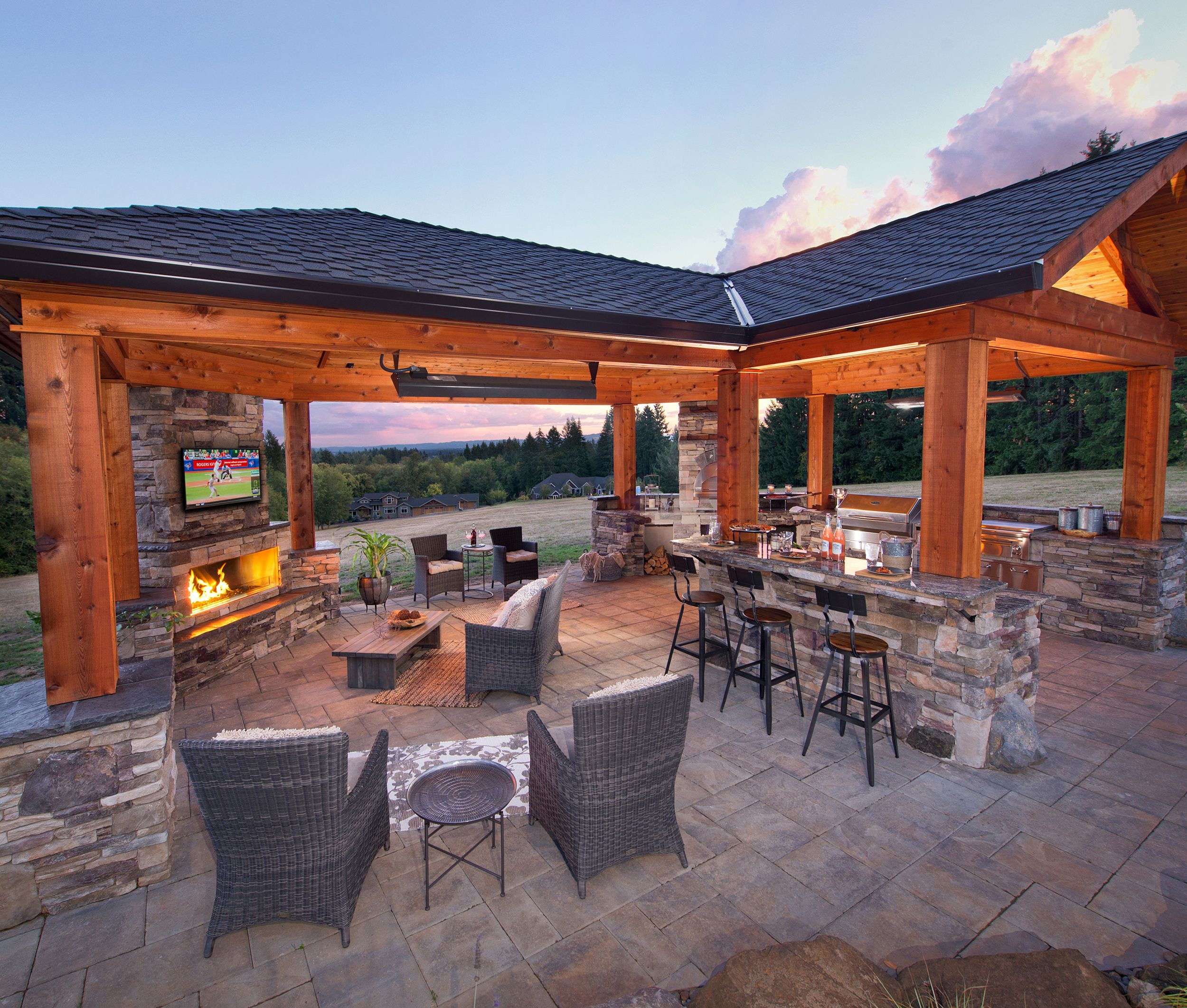 Gorgeous Outdoor Living Room & Kitchen, Pizza Oven