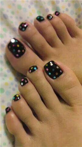 noir et points multicolore   toenail art designs