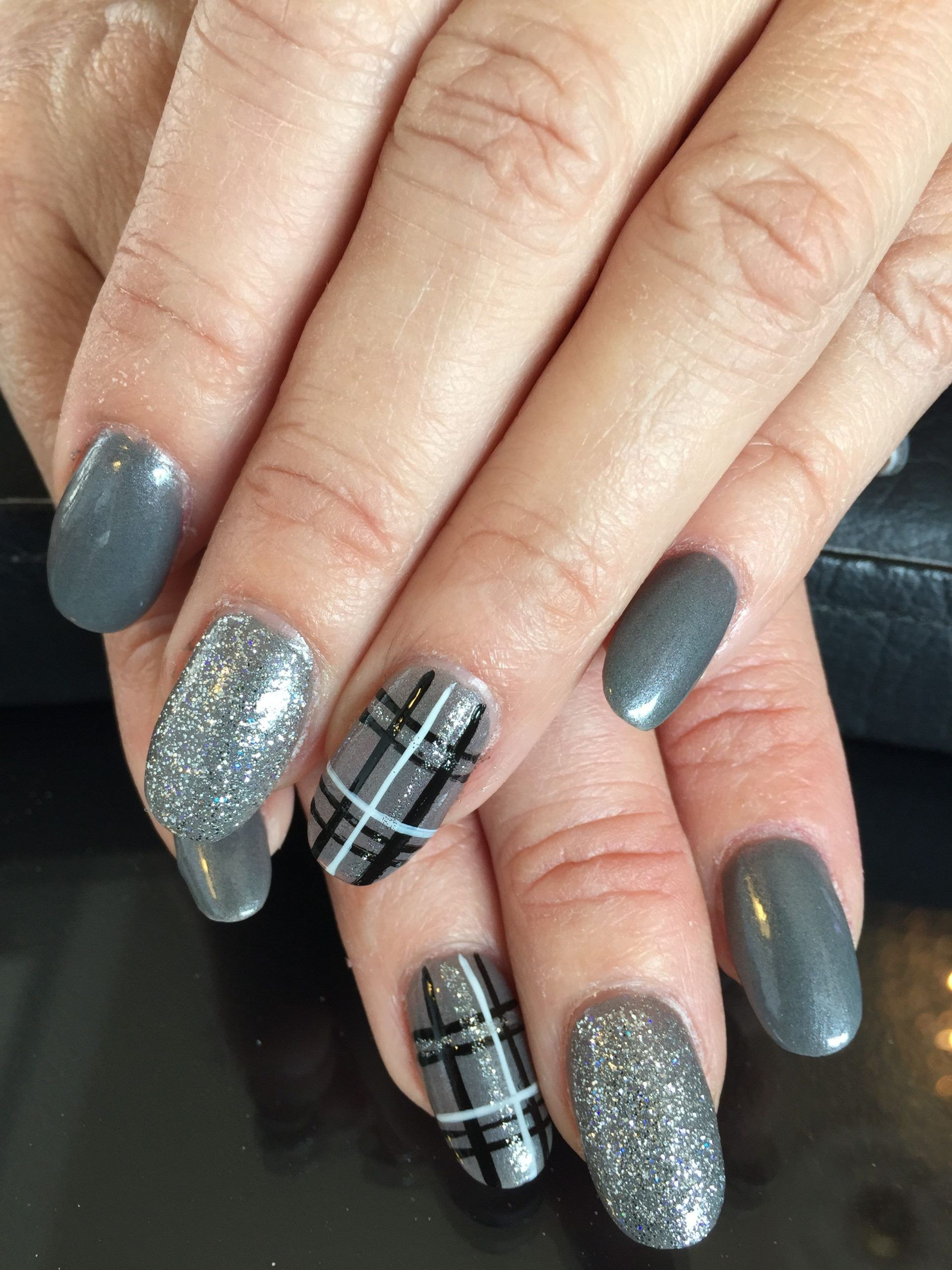 26 Easy Winter Nail Designs That Are Perfect To Try Designs Easy Nail Perfect Winter In 2020 Winter Nail Designs Plaid Nail Art Plaid Nails
