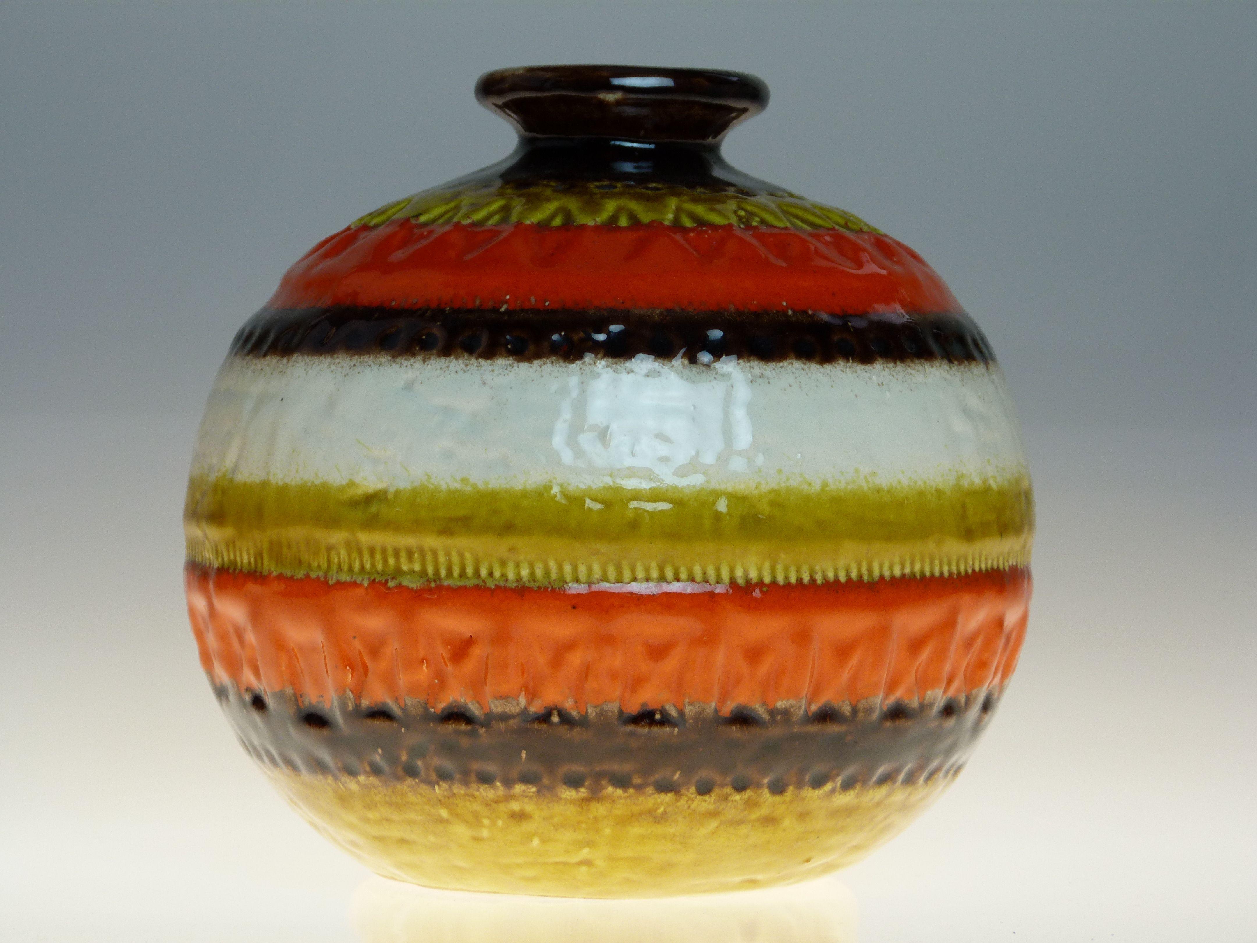 Bitossi Orange vase Aldo Londi. From the Funkyvintagelover