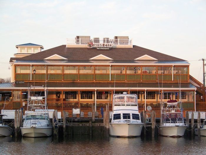 7 Delaware Restaurants Right On The River That You're Guaranteed To Love
