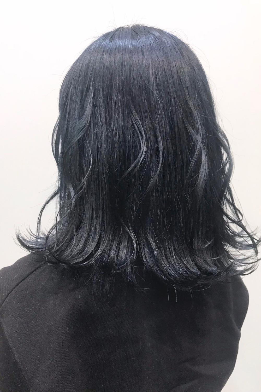 黒染めしないで黒髪風にしたいならおしゃれな暗髪カラーがおすすめ