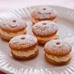 Cream Puff Doughnuts. A simple pastry cream that fills these easy no yeast doughnut cake recipe.