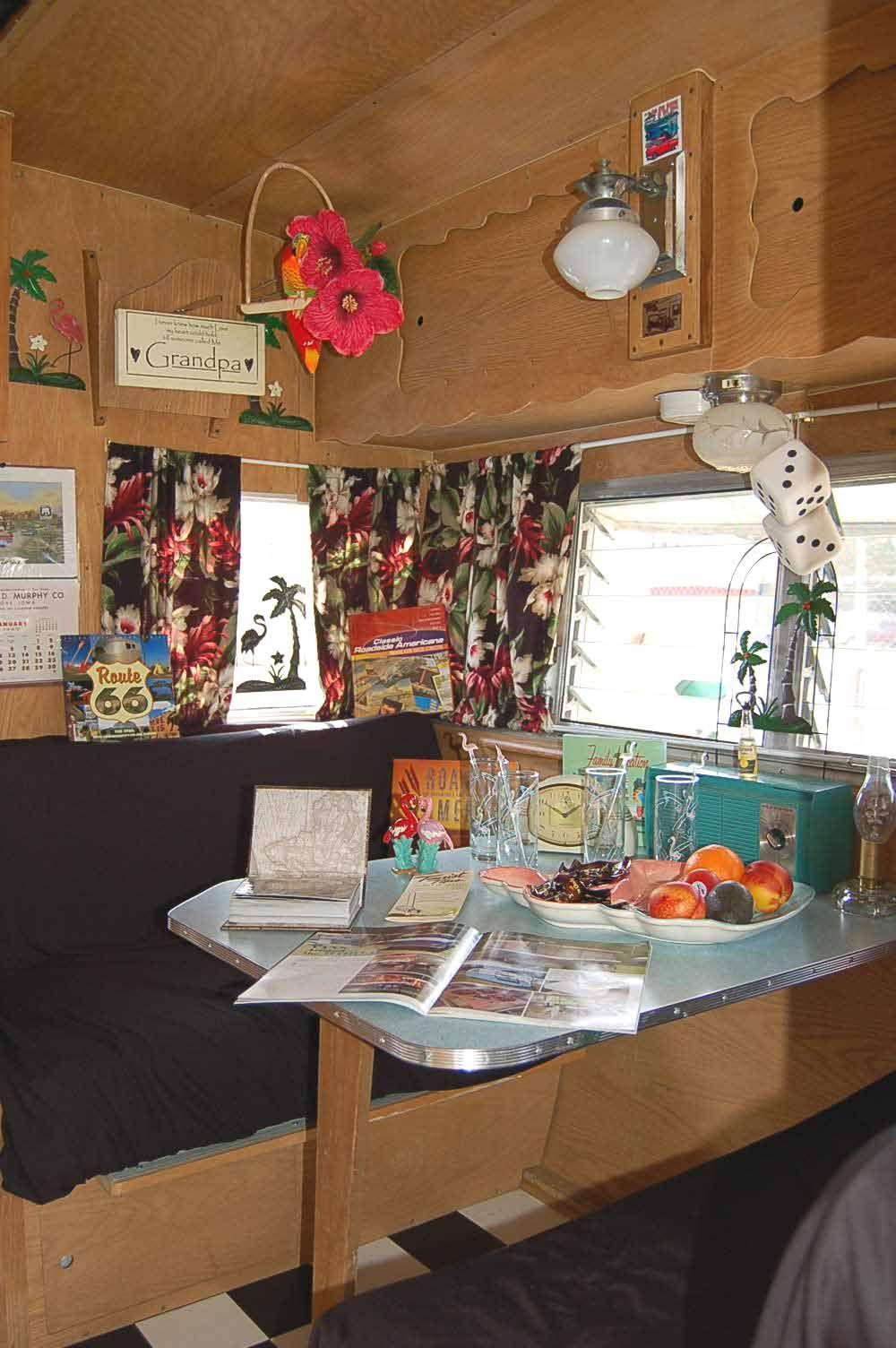 Vintage camper interior vintage shasta trailer interiors for Arredamento per camper