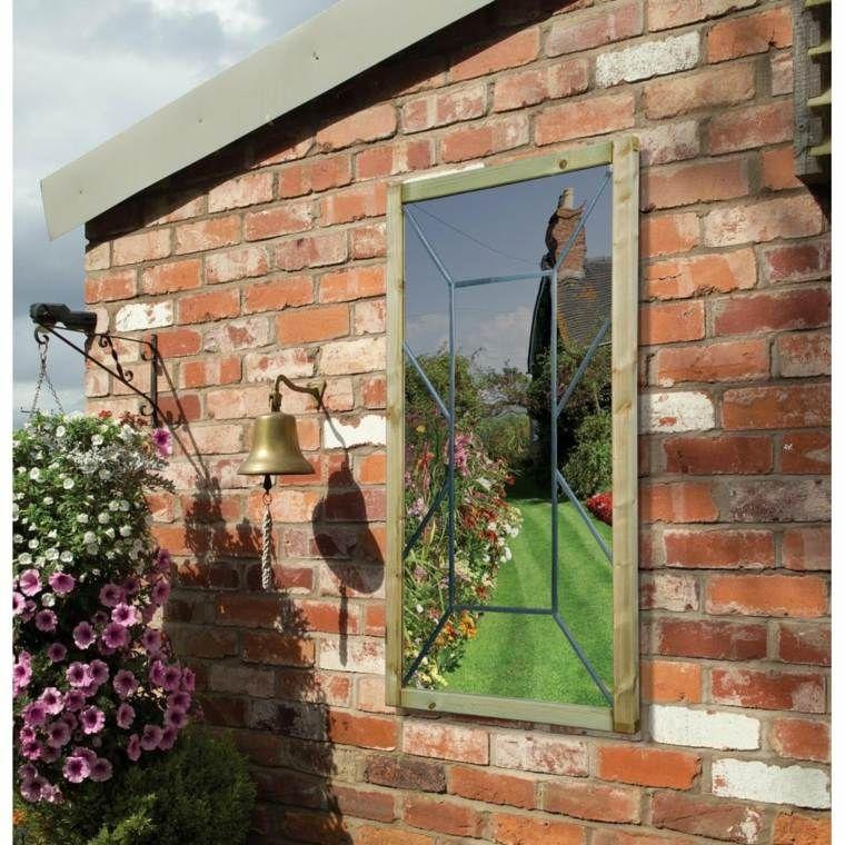 miroir de jardin : comment l'utiliser pour une déco originale ... - Decoration Mur Exterieur Maison