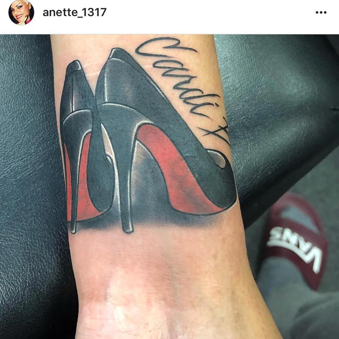 Cardi B Hand Tattoos: 159.5k Likes, 216 Comments