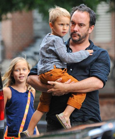 Dave Matthews with his son and daughter