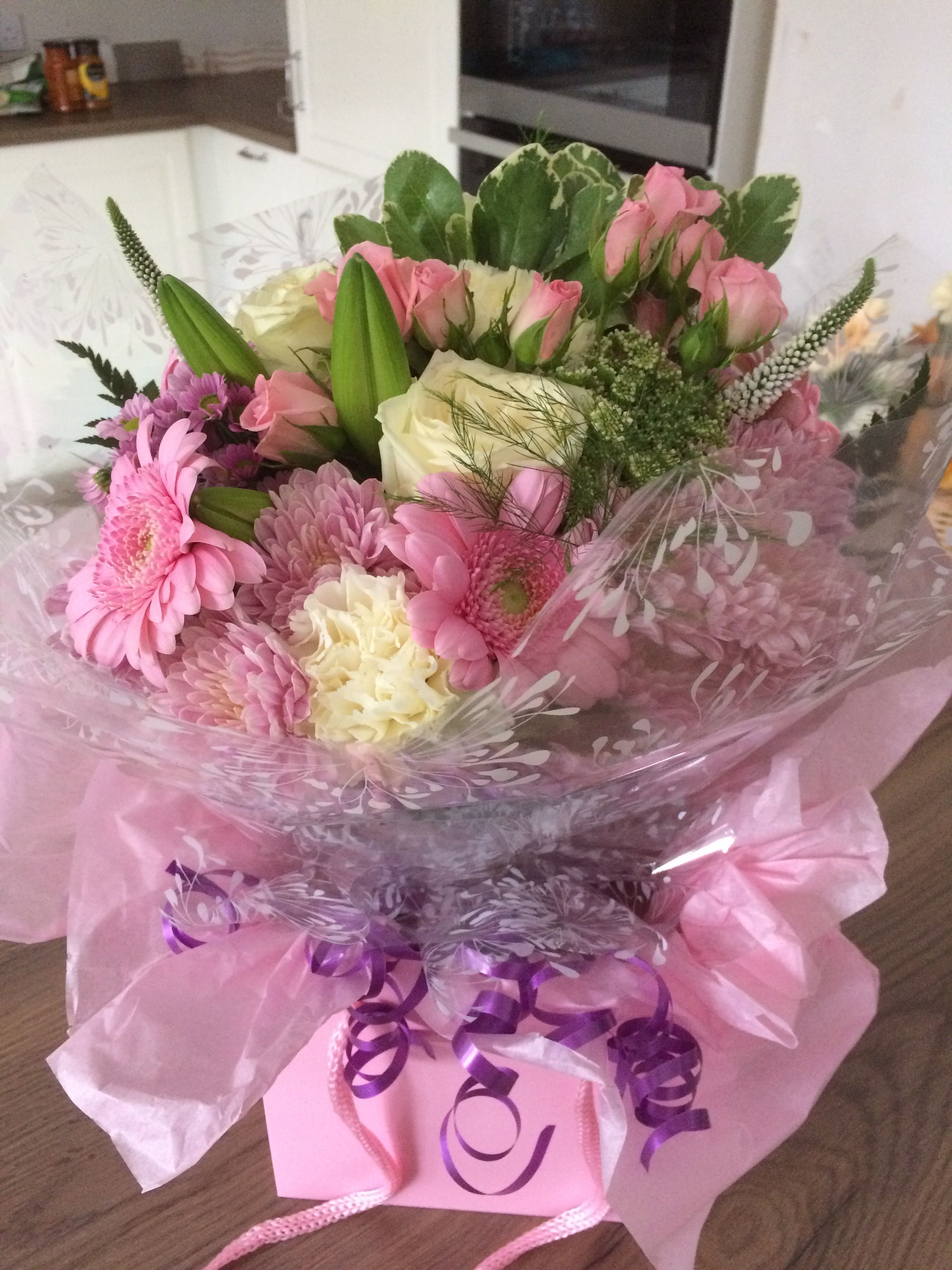 Pretty pink hand tied bouquet of fresh cut flowers from willow house willow house flowers aylesbury florist free same day delivery in aylesbury bucks local on line florist for next day local delivery flowers bouquets izmirmasajfo