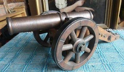 alte Kanone Metall Holz Geschütz auf Räder sehr schwer ca.6kg