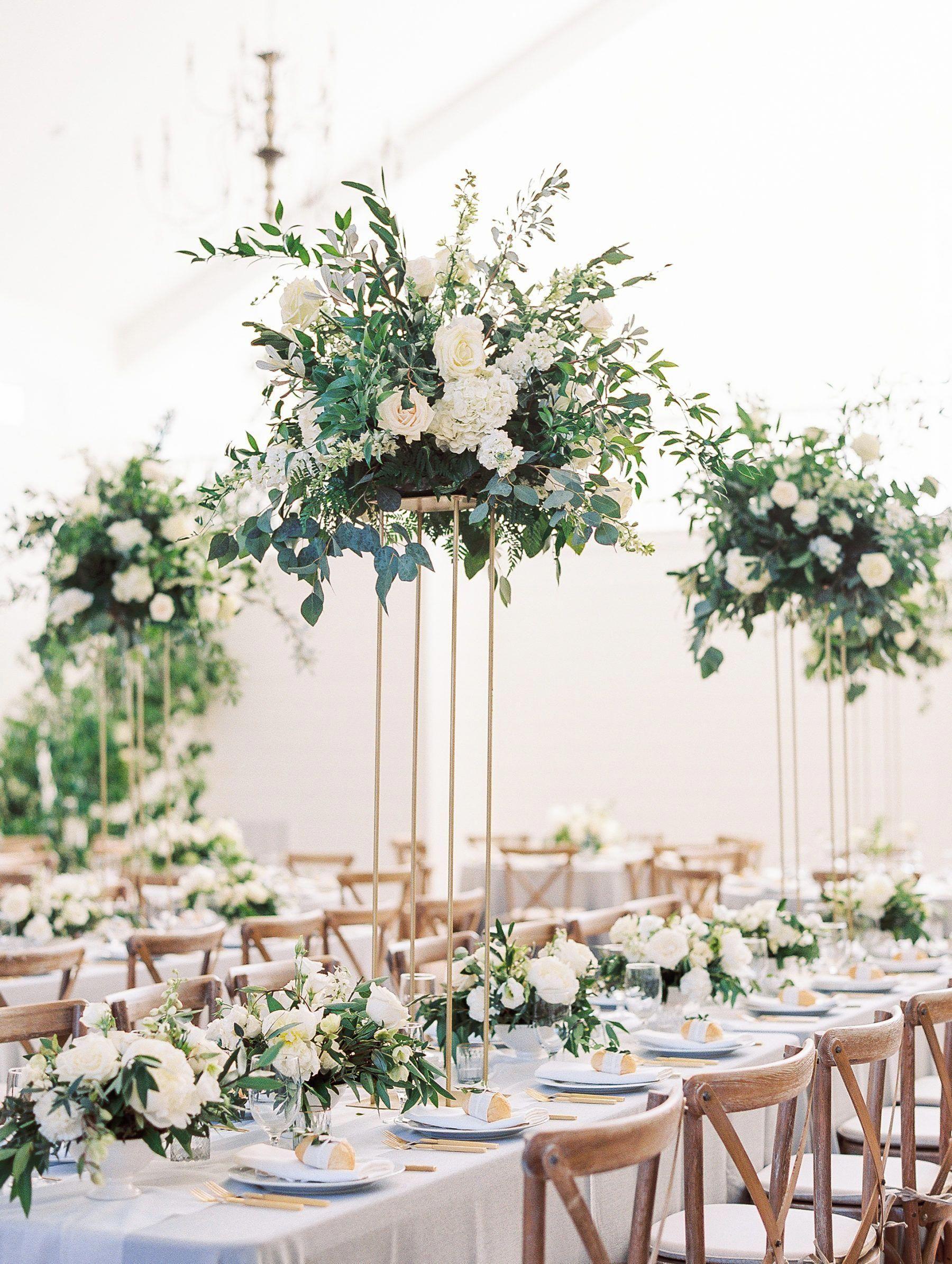 The Grandeur House Wedding With A Modern Farmhouse Style Gardenwedding Used Wedding Decor Unique Wedding Flowers Wedding Centerpieces