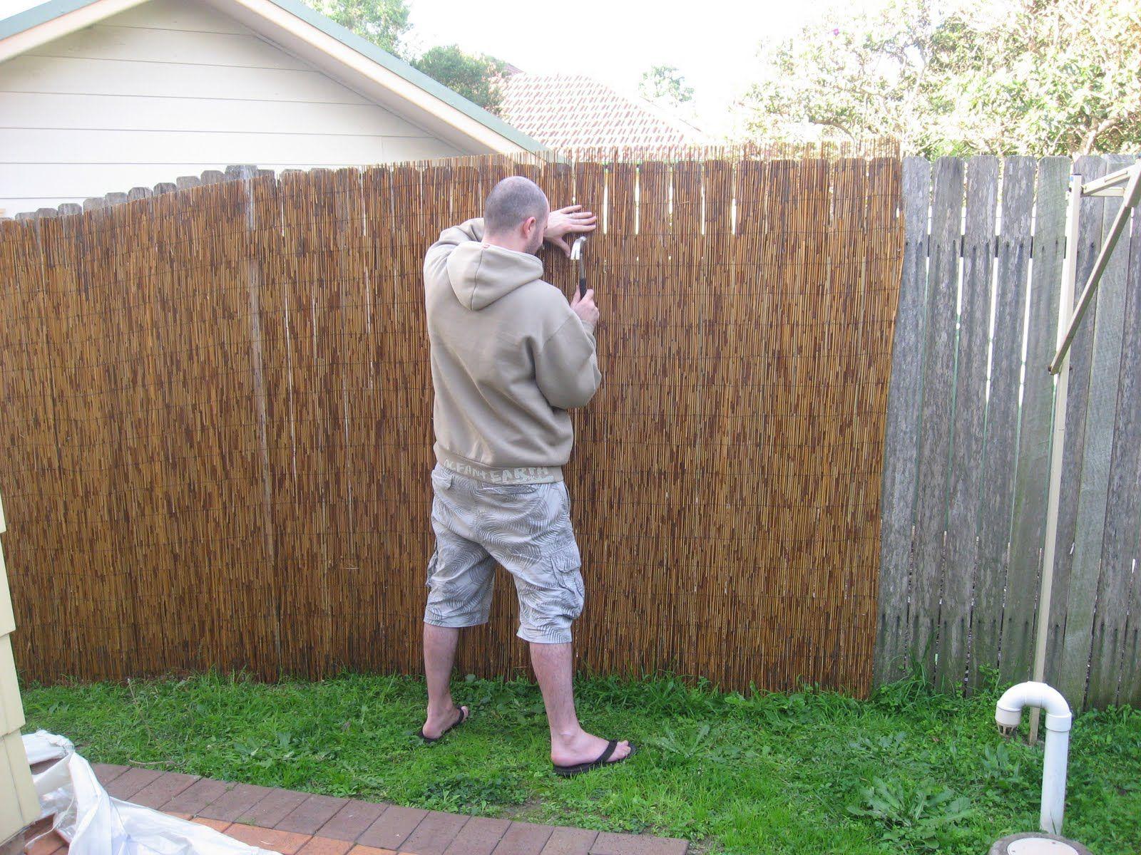 32 Amazing Ways To Decorate Your Garden Fence Bambukovaya