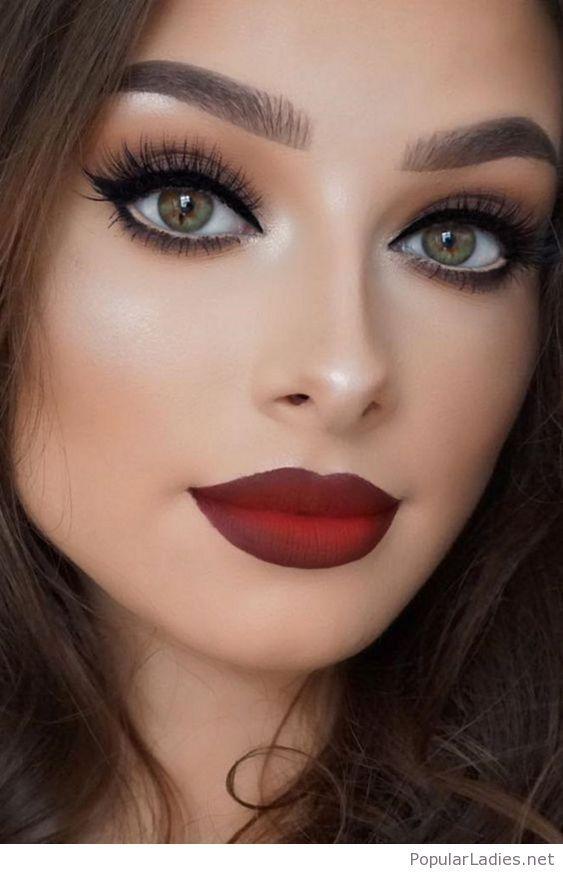 Matte Red Lips And Cat Eyes Дымчатый макияж глаз