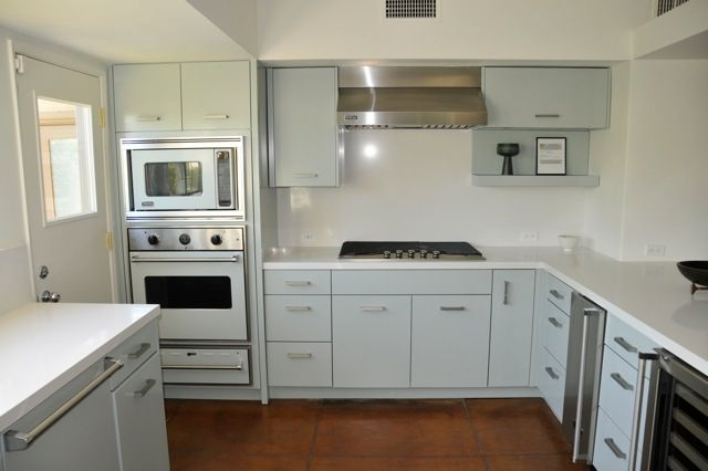 St Charles Steel Kitchen Cabinets Are Red To Frank Sinatra S Palm Springs Home Twin Palms