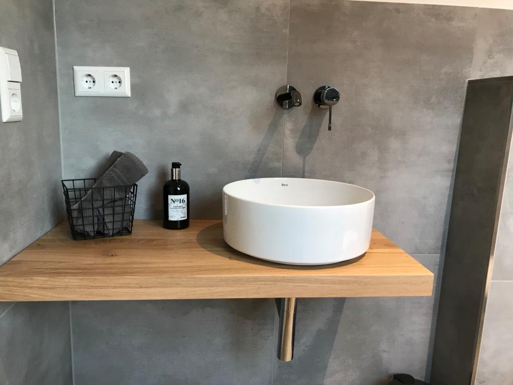 Waschtisch Waschtischplatte Baumkante Regal Holz Eiche Bad