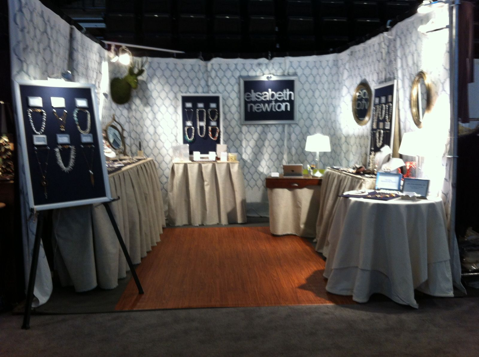 Buildin a booth gift display and booth ideas for Jewelry display trade show