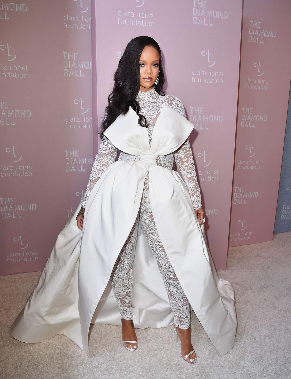 Rihanna   Rihanna outfits, Rihanna red carpet, Ball gowns