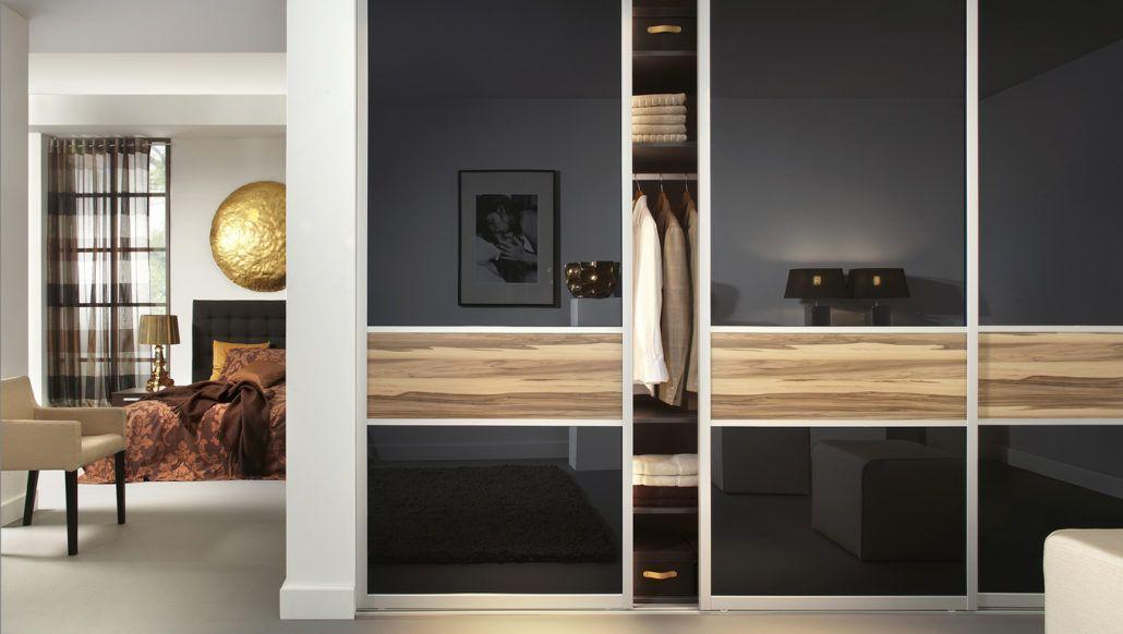 Deurvulling: Glas zwart, Caribbean walnoot. Omlijsting: Mezzo design ...