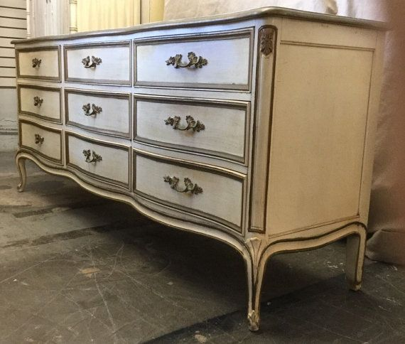 Beautiful Vintage Henredon French Provincial Style By Jasperkane Long Dresser Condo Furniture Br Handles
