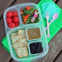 Get more allergy friendly lunch-packing tips and tricks.