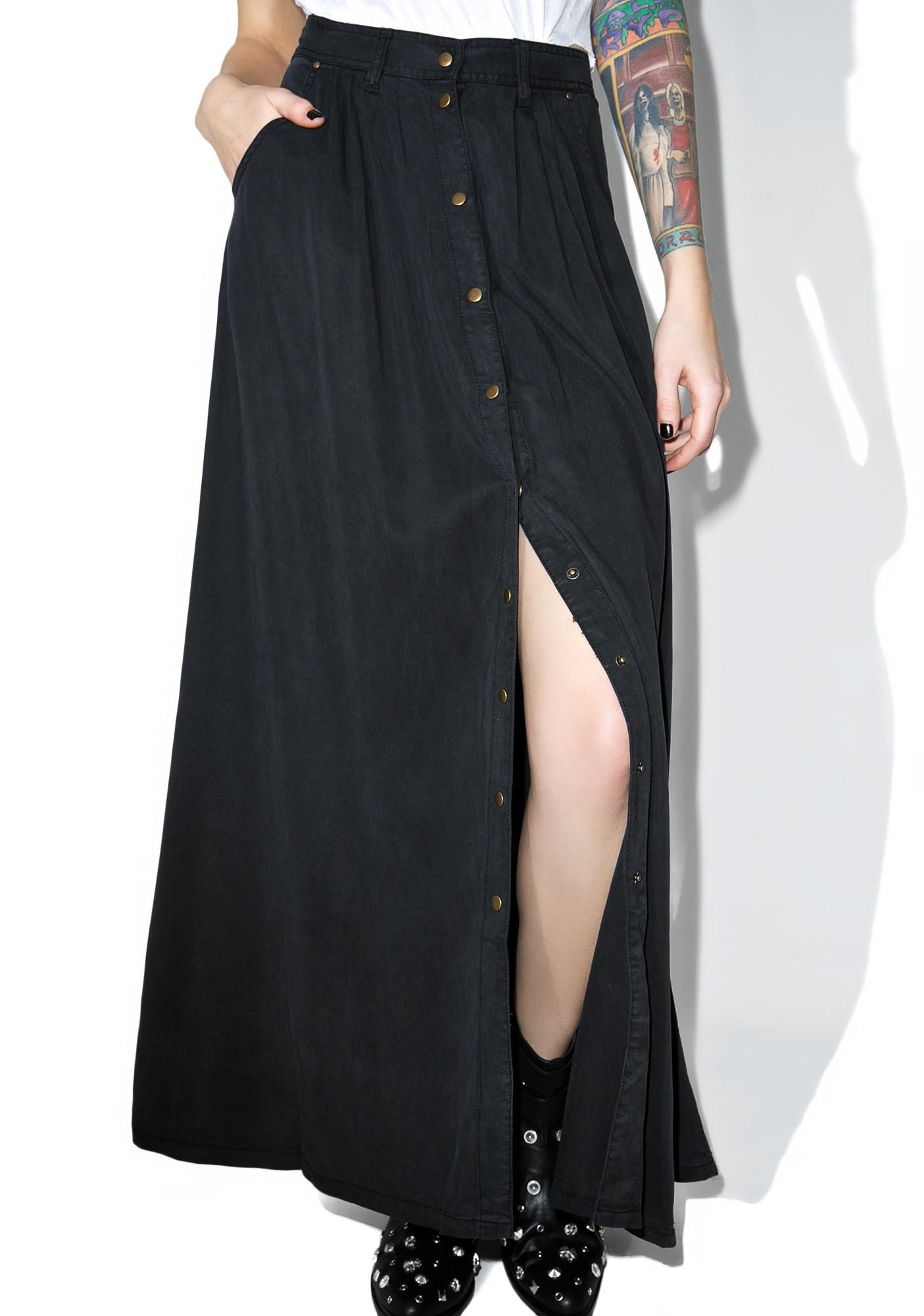 Sea Breezin' Button Up Maxi Skirt | Black maxi skirts, Black maxi ...