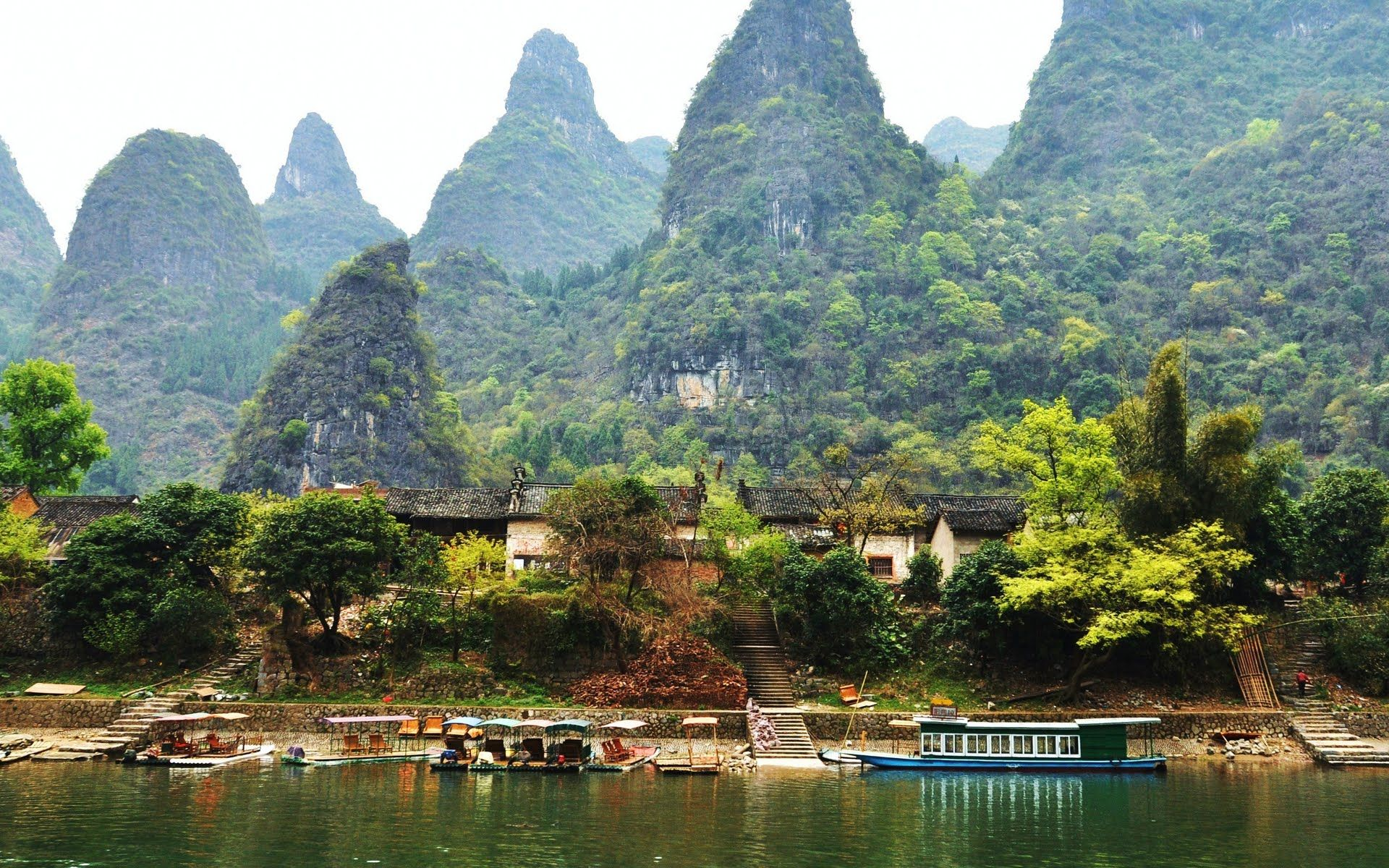 Beautiful Lijiang, The River, Guilin, Guangxi, China - HD