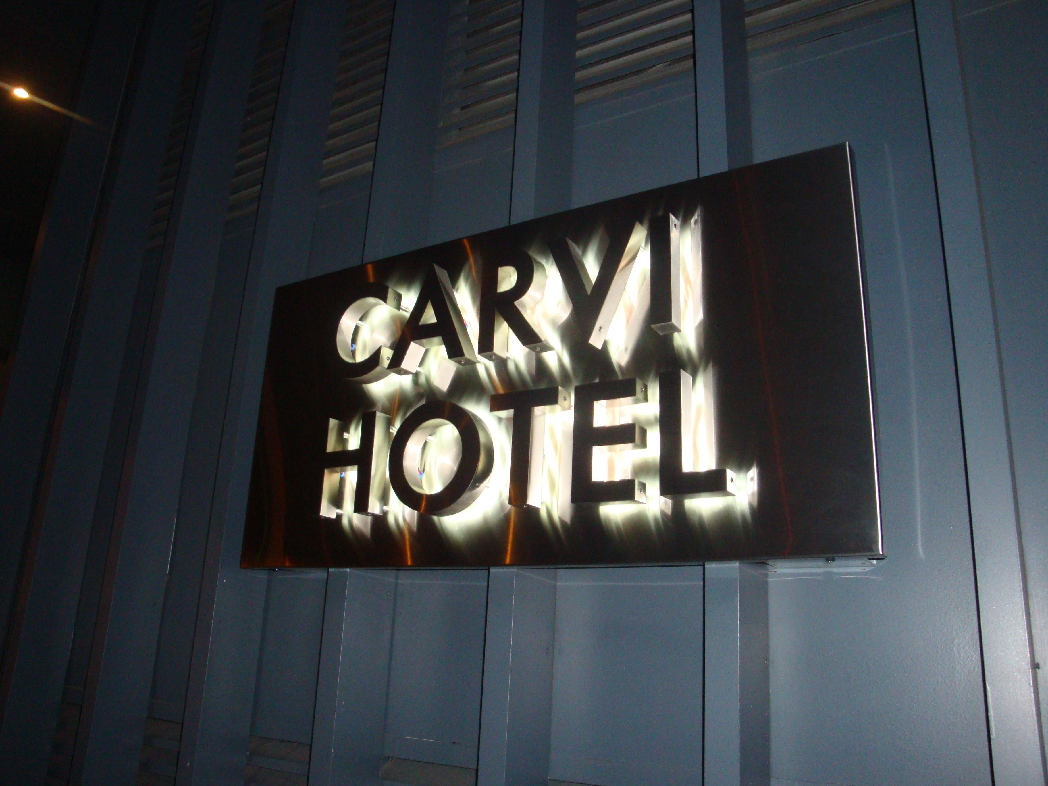 exterior hotel sign nyc - we specialize in custom sign fabrication