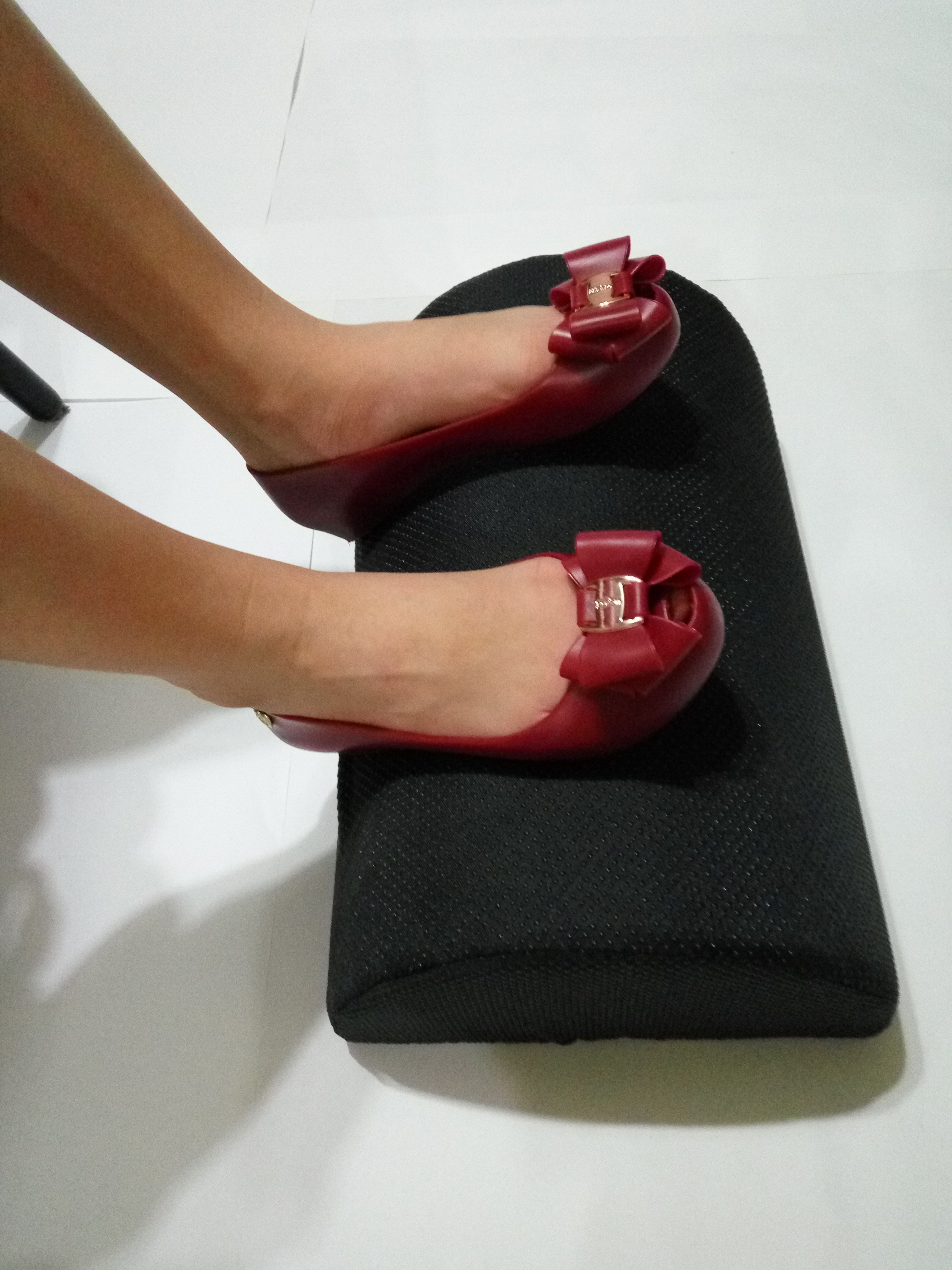 Foot Rest Cushion To Relieve Knee Pain Tired Aching Sore Feet