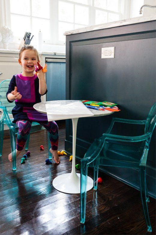 Mini Tulip Table With Ghost Chairs For The Littles Kids - Kids tulip table