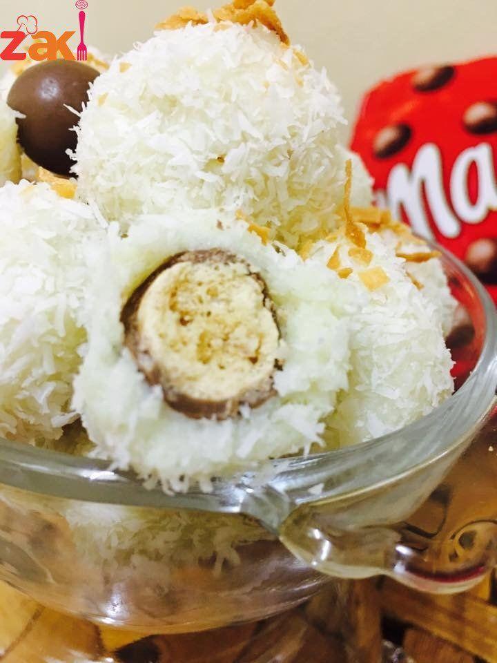 رافيلو او كرات جوز الهند المحشية مالتيزرس Healthy Sweets Special Desserts Food And Drink