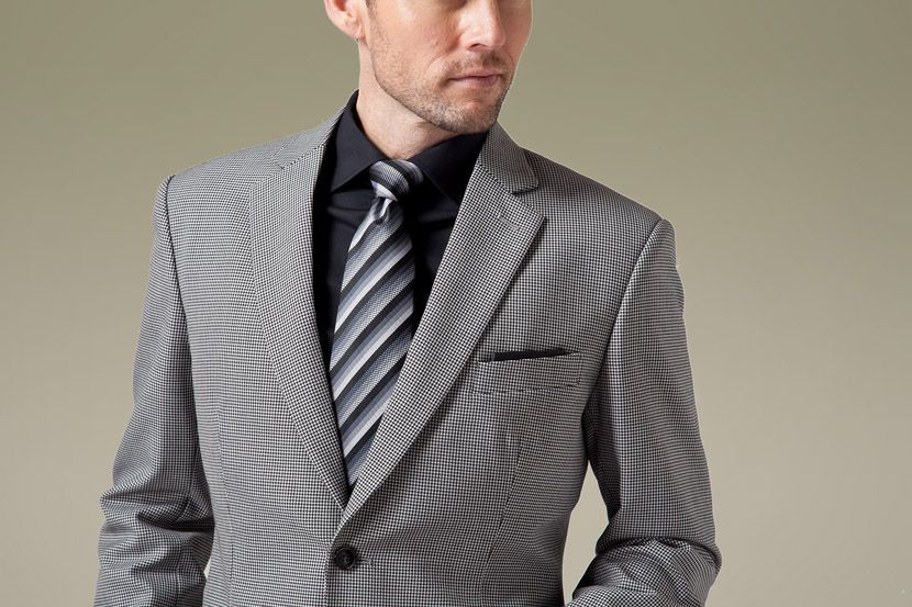 This light grey suit can help enhance confidence.