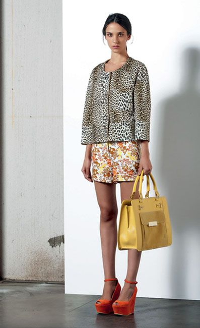 Look 31 . 533 Giacca / Jacket . 460 Short . 269P Borsa / Bag . 213P Scarpa / Shoes