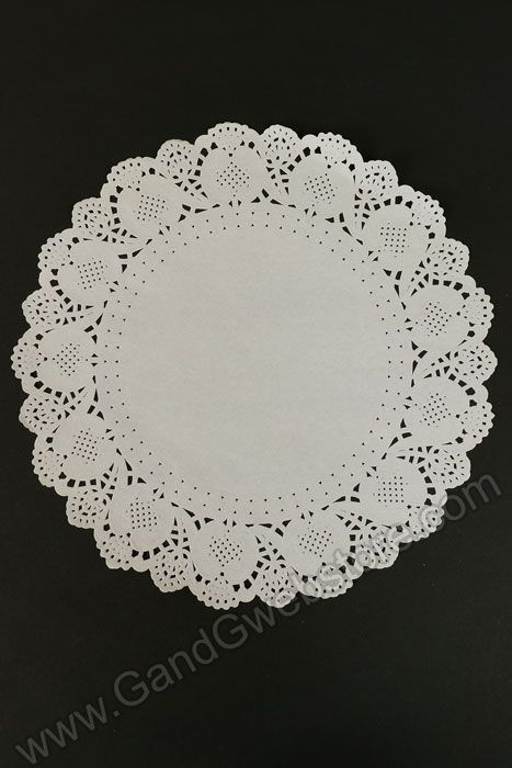 The secret weapon in your DIY wedding toolkit: Lace Paper Doilies