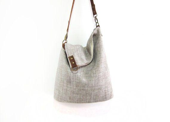 Sac fait main en chanvre et cuir. Handmade Linen Bag in Beige Linen and Cognac…